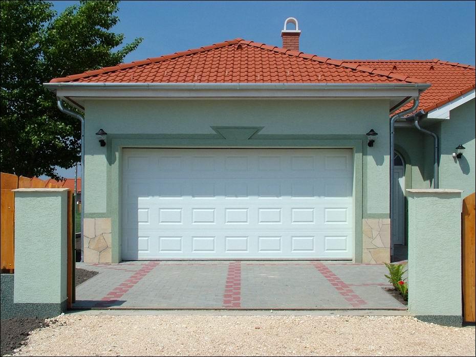 Tökéletes kényelem és kimagasló hőszigetelés ECOTOR garázsajtóval