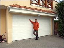 Sasvári Sándor is az Alarm & Automatic System Kft garázskapuját választotta