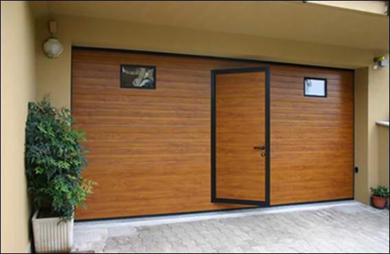 Fadekor aranytölgy DITEC garázskapu beépített ajtóval